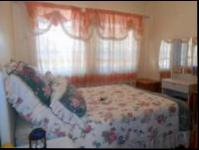 Bed Room 1 - 12 square meters of property in Florida Lake