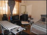 Bed Room 1 - 21 square meters of property in Malvern - JHB