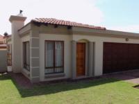 2 Bedroom 2 Bathroom Cluster for Sale for sale in Reyno Ridge