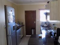 Kitchen - 9 square meters of property in The Reeds