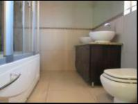 Main Bathroom - 7 square meters of property in Fleurdal