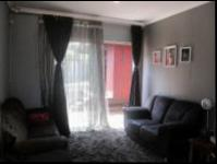 Lounges - 10 square meters of property in Glenmarais (Glen Marais)