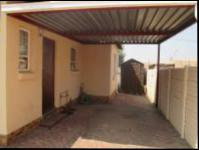 Spaces - 8 square meters of property in Glenmarais (Glen Marais)