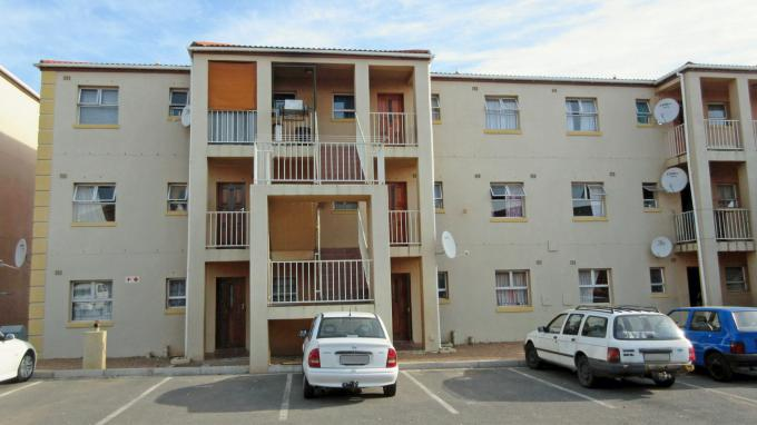 2 Bedroom Apartment for Sale For Sale in Paarl - Home Sell - MR148187