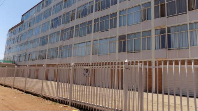 Standard Bank EasySell 2 Bedroom Sectional Title for Sale For Sale in Gezina - MR148229