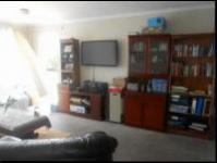 Lounges - 20 square meters of property in Bloubosrand