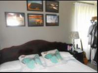 Main Bedroom - 19 square meters of property in Bloubosrand