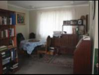 Dining Room - 11 square meters of property in Bloubosrand