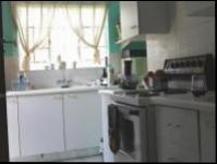 Kitchen - 14 square meters of property in Bloubosrand