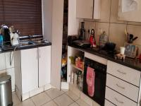 Kitchen - 14 square meters of property in Greenstone Hill