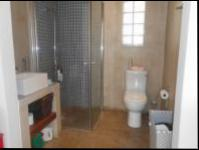 Bathroom 1 - 5 square meters of property in Marshallstown