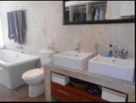 Main Bathroom - 8 square meters of property in Marshallstown