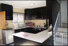 Kitchen - 21 square meters of property in Kenville