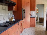 Kitchen - 16 square meters of property in Safari Tuine