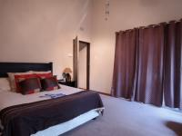 Main Bedroom - 22 square meters of property in Garsfontein