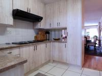 Kitchen - 11 square meters of property in Faerie Glen