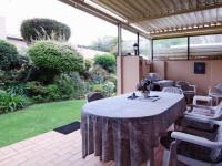 Patio - 34 square meters of property in Faerie Glen