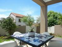 Patio - 10 square meters of property in Kengies