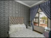 Bed Room 1 of property in Fourways