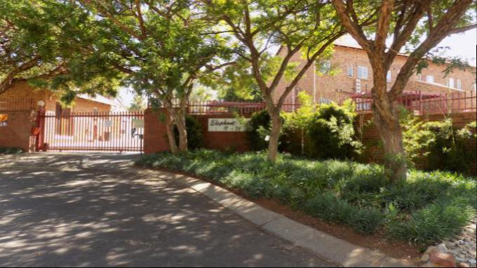 Standard Bank EasySell 2 Bedroom Sectional Title for Sale For Sale in Centurion Central (Verwoerdburg Stad) - MR149314