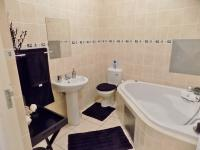 Bathroom 1 - 6 square meters of property in Mossel Bay