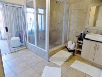 Main Bathroom - 13 square meters of property in Mossel Bay