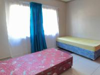 Bed Room 2 - 13 square meters of property in Safari Tuine