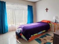 Bed Room 1 - 15 square meters of property in Safari Tuine