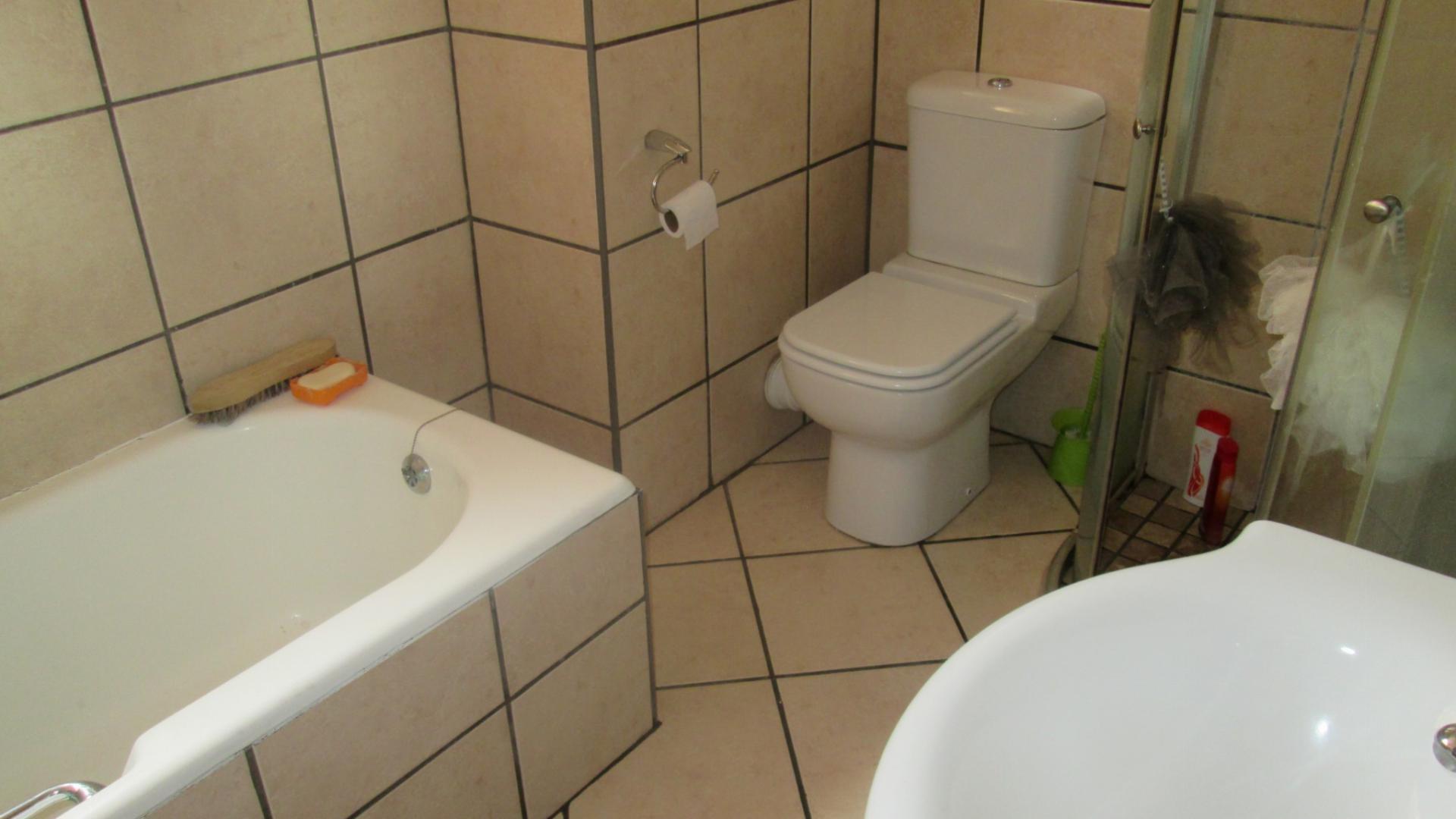 3 Bedroom Apartment for Sale For Sale in Vanderbijlpark - Private ...