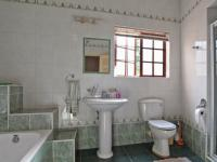 Bathroom 1 - 14 square meters of property in Woodhill Golf Estate