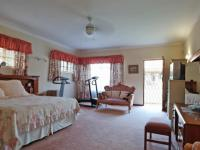 Main Bedroom - 60 square meters of property in Woodhill Golf Estate