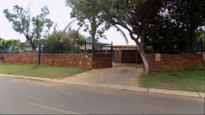 Standard Bank EasySell House for Sale For Sale in Claremont - MR149530