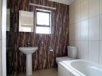 Bathroom 1 - 7 square meters of property in Heron Hill Estate