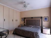 Main Bedroom - 20 square meters of property in Garsfontein
