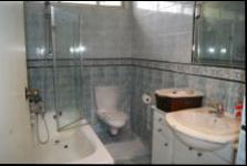 Main Bathroom - 5 square meters of property in Glenmore