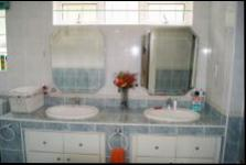 Bathroom 1 - 13 square meters of property in Glenmore