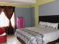 Main Bedroom - 25 square meters of property in Silverton