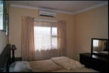 Main Bedroom - 13 square meters of property in Port Edward