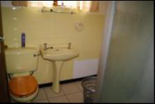 Main Bathroom - 14 square meters of property in Pennington