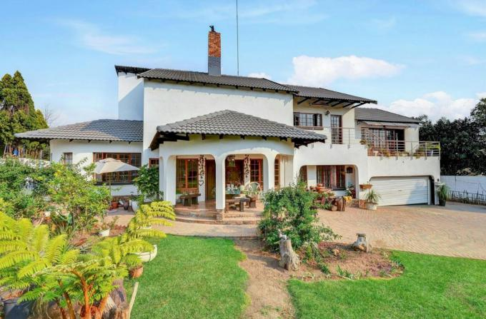 3 Bedroom House for Sale and to Rent For Sale in Buccleuch - Private Sale - MR149853