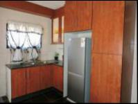 Kitchen - 15 square meters of property in Florida Lake