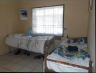 Bed Room 2 - 15 square meters of property in Florida Lake
