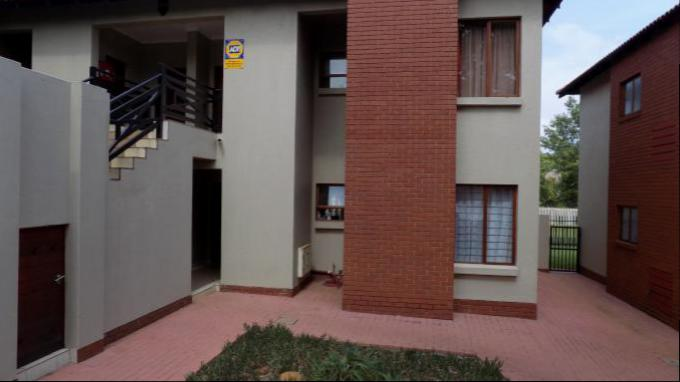 2 Bedroom Simplex for Sale For Sale in Pretorius Park - Private Sale - MR149874
