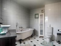 Bathroom 1 - 9 square meters of property in Irene Farm Villages