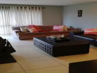 Lounges - 22 square meters of property in Bronkhorstspruit