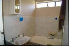 Main Bathroom - 7 square meters of property in Port Edward