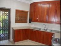 Kitchen - 18 square meters of property in Golfsig