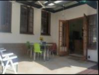 Patio - 35 square meters of property in Amanzimtoti