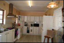 Kitchen - 22 square meters of property in Amanzimtoti