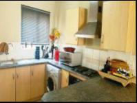 Kitchen - 10 square meters of property in Wilgeheuwel